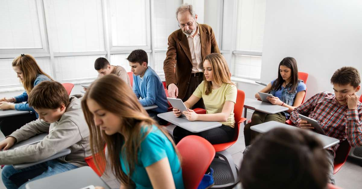 cours sur les risques numériques au collège