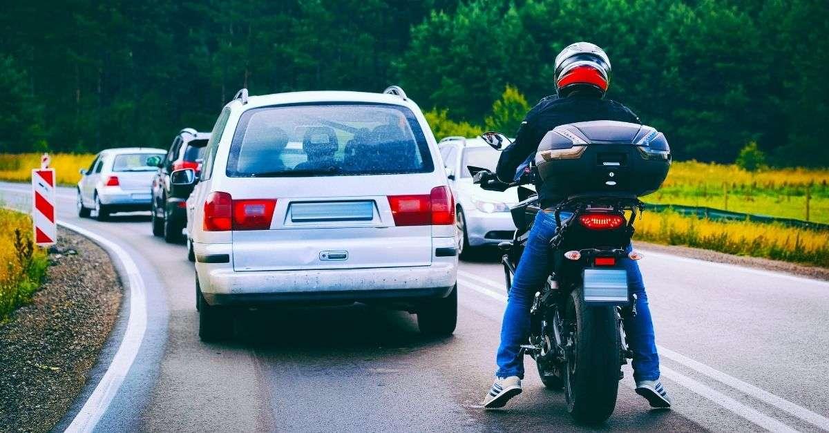 circulation voitures et motos