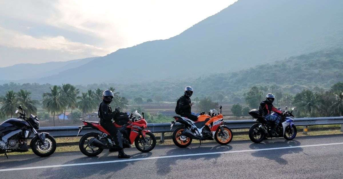 motards à la montagne
