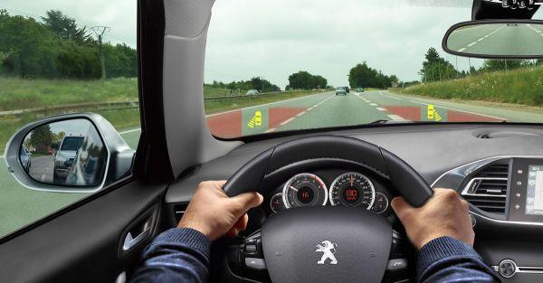 Pour plus de sécurité sur la route, gardons la tête haute !