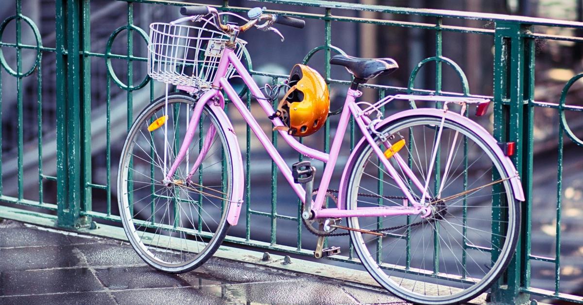 Maltraitance des casques vélo pour améliorer la sécurité des cyclistes
