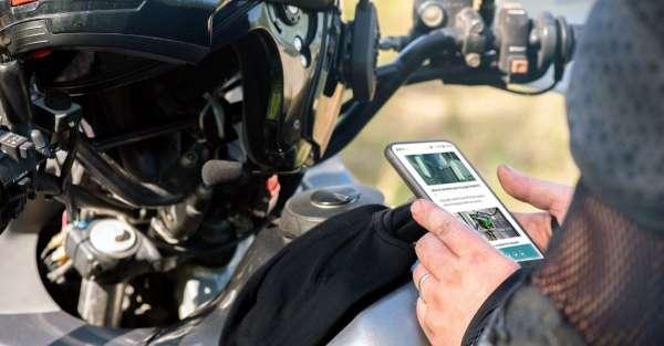 L'affichage tête-haute pour les motards : risques et apports