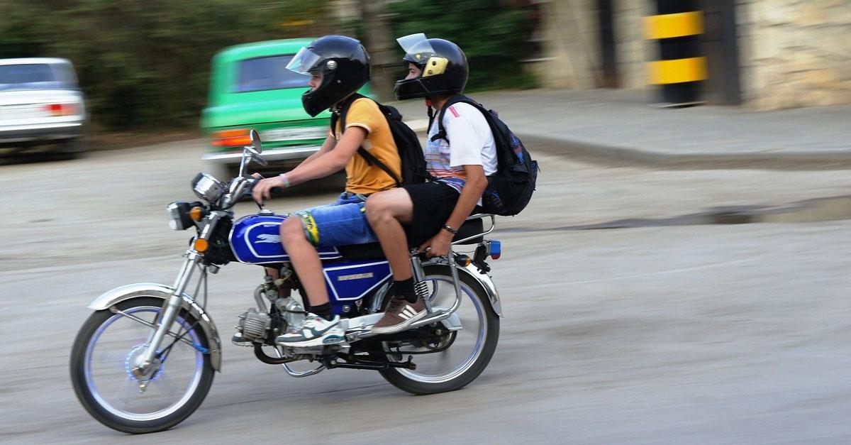motorcycle-630738-2.jpg