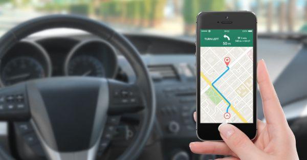 Smartphone au volant : le risque au bout des doigts