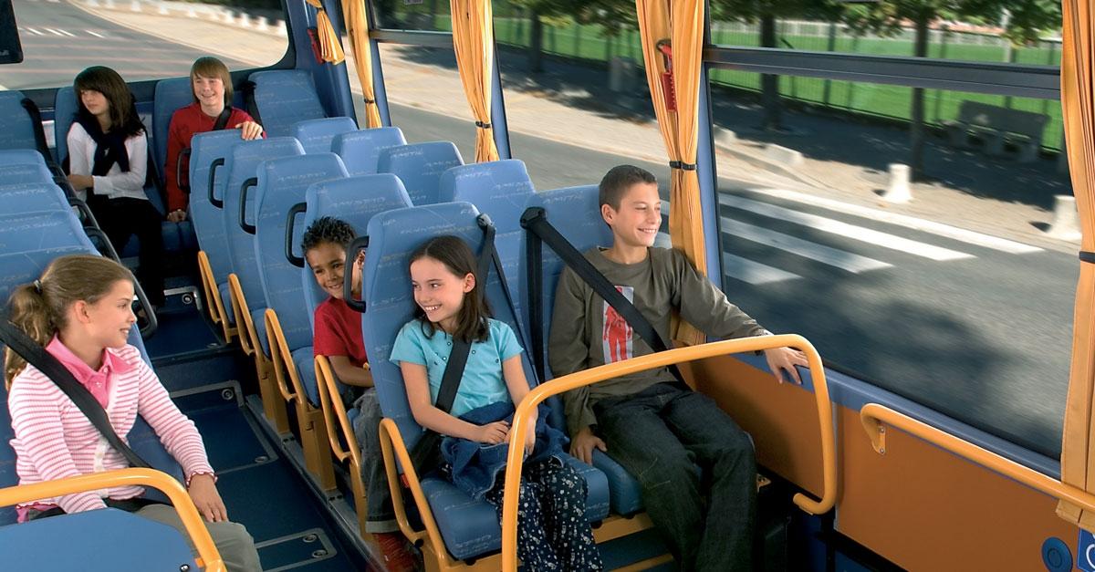 Les nudges pour le port de la ceinture dans les cars scolaires